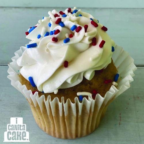 Patriotic Cupcakes by I Canita Cake