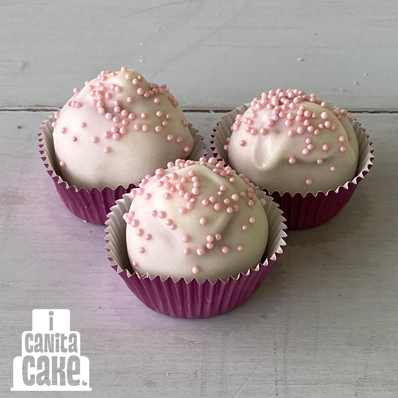 Strawberry Cake Bites by I Canita Cake